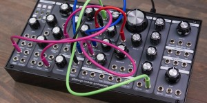 Beitragsbild des Blogbeitrags Pittsburgh Modular Updates Lifeforms SV-1b Modular Analog Synth