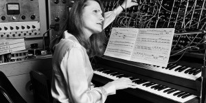 Beitragsbild des Blogbeitrags 5 Women Of Electronic Music History Who Influenced My Life