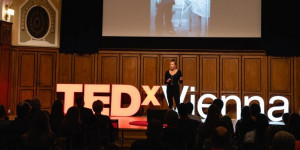 Beitragsbild des Blogbeitrags Visualize, feel, act – Interview with Annemarie Lombard-Puntschart at TEDXVienna 2020