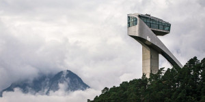 Beitragsbild des Blogbeitrags Wonky Hotels And Spiral Ski Jumps: Innsbrucks Modern Architecture